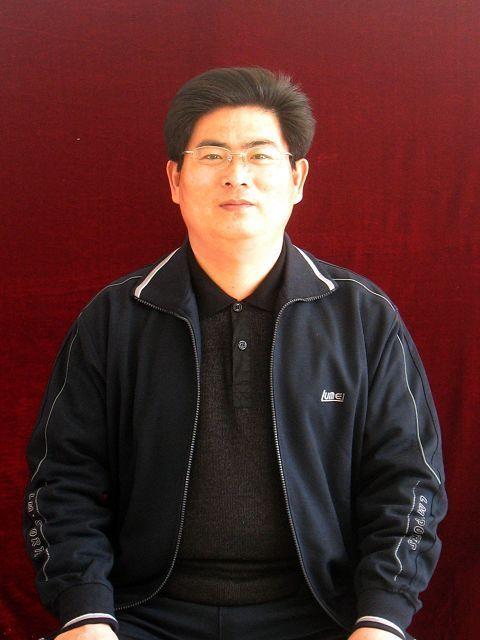 青岛市经济技术开发区致远中学数学教师吕明武