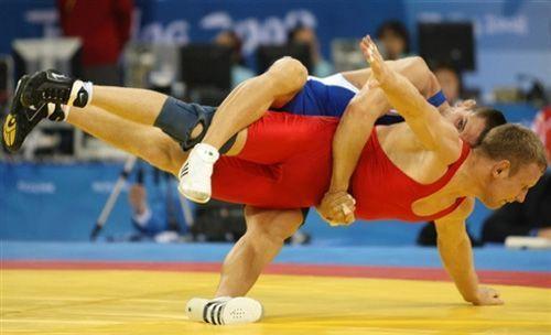 自由式摔跤比赛规则_古典式摔跤_360百科
