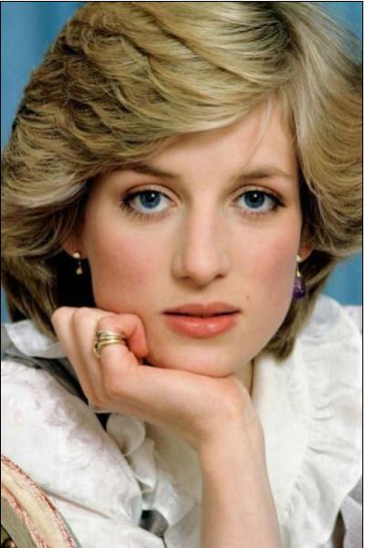 戴安娜王妃图片 戴安娜王妃之死 戴安娜王妃的故事 年轻时戴安娜王妃