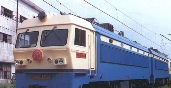 韶山4型电力机车(ss4)