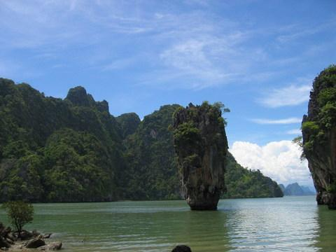 """岛名由来 原名达铺岛(kotapu,泰语:),意思是""""钉子""""的意思,达铺岛不像"""