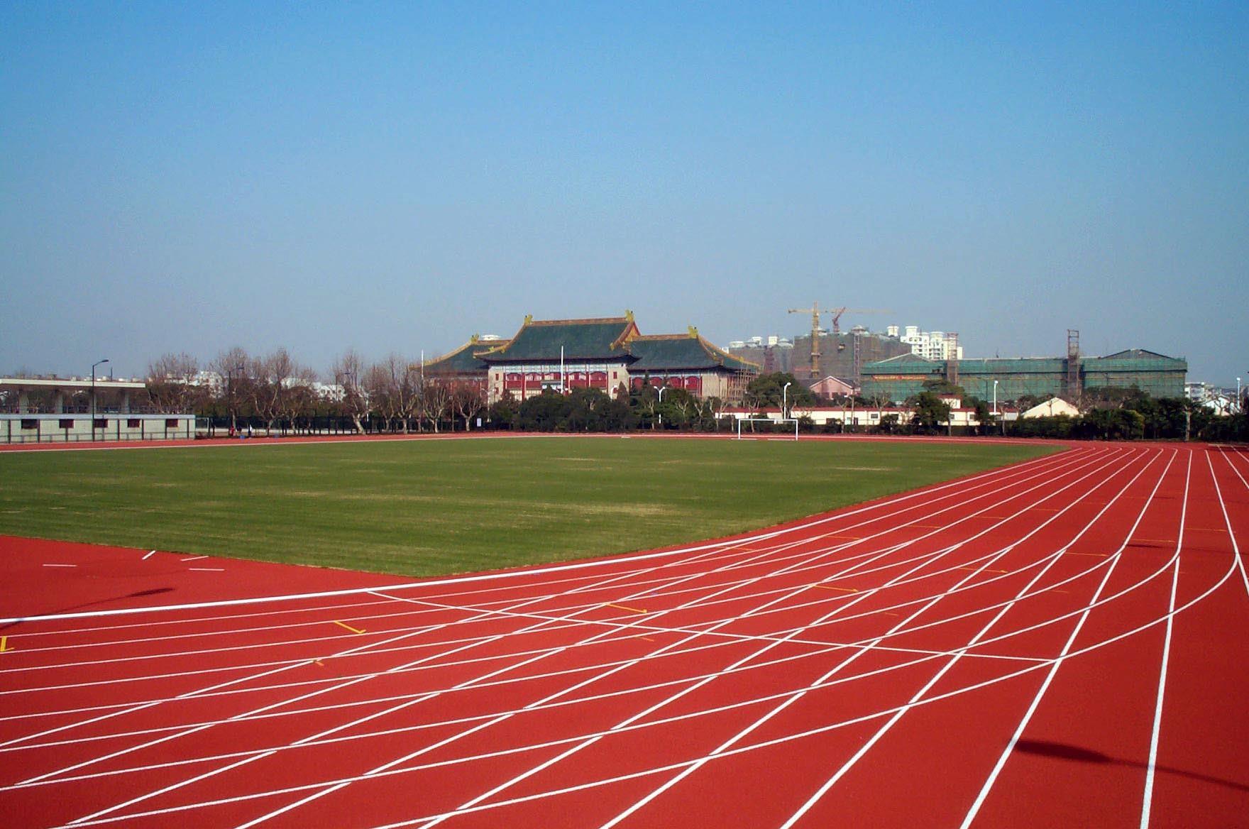 其中包括雅典奥运会金牌获得者刘翔的教练孙海平