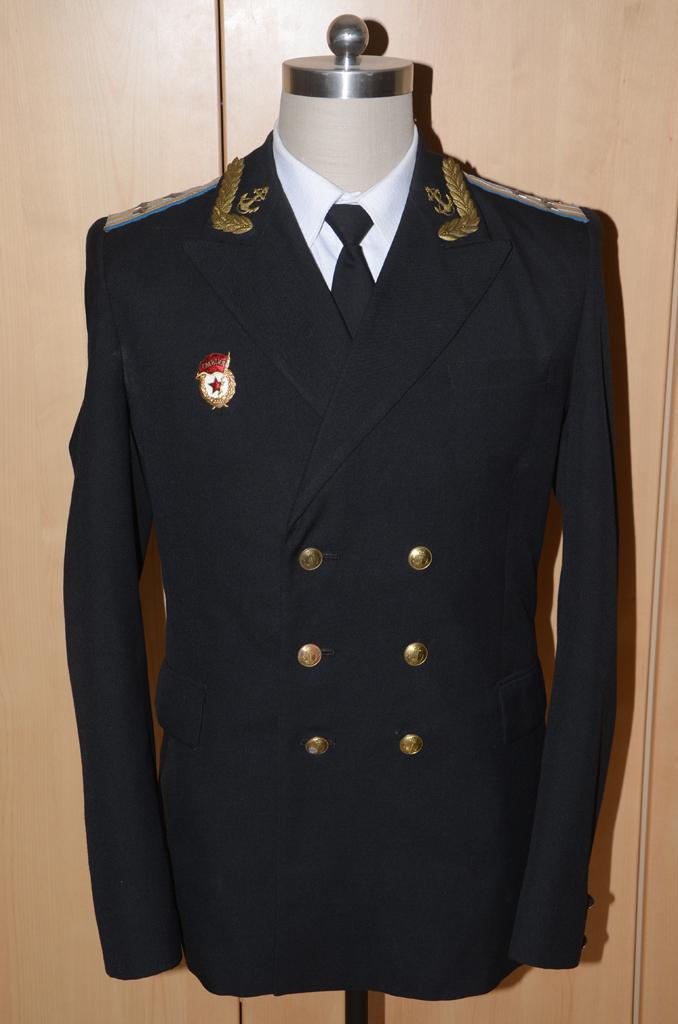礼服绶带佩戴方法步骤