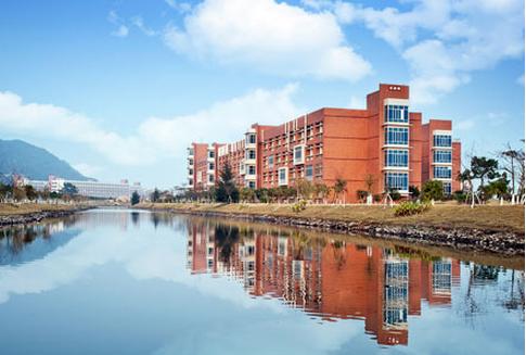 从吉林大学珠海学院怎样搭机场快线去珠海城市职业技术学院