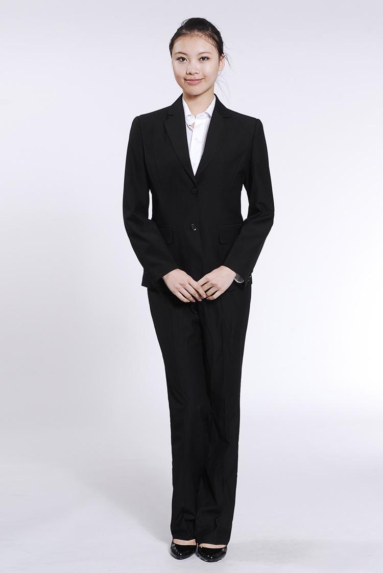女式黑色小西装搭配